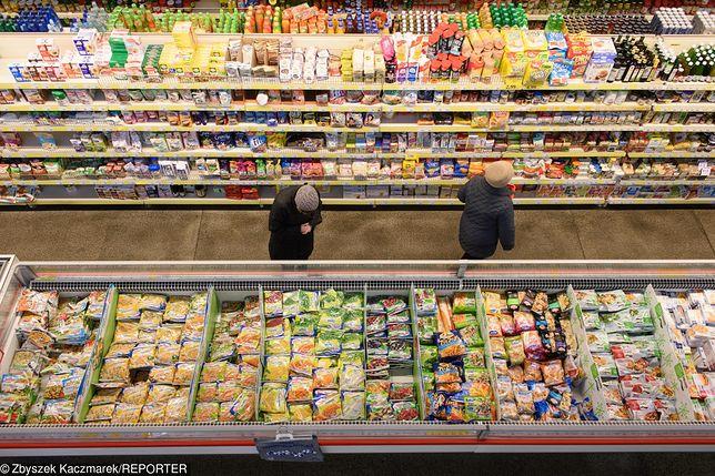 Po obniżce VAT potanieją artykuły higieniczne, żywność dla niemowląt. Więcej zapłacimy za lód w kostkach czy niektóre przyprawy