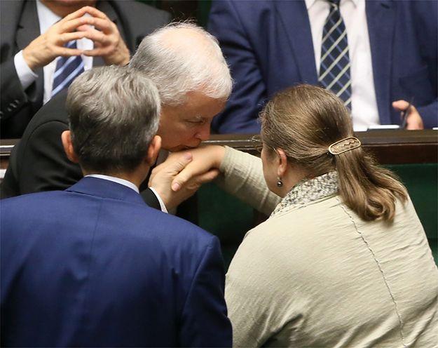 Jarosław Kaczyński z posłem Stanisławem Piotrowiczem i posłanką Krystyną Pawłowicz