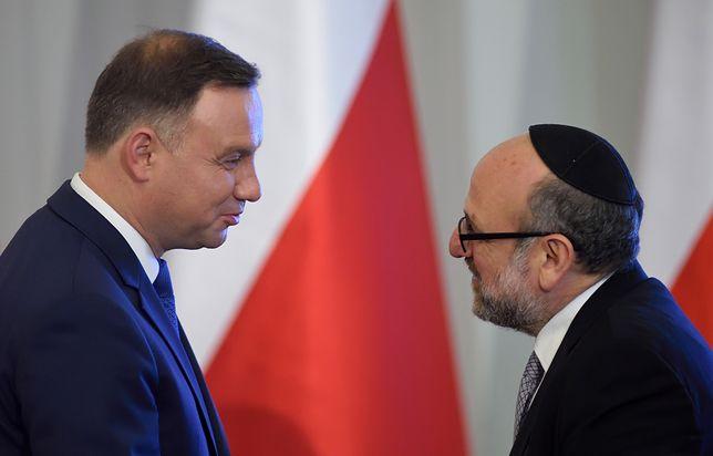 Andrzejowi Dudzie zarzuca się zdradę