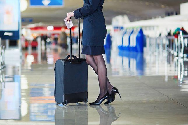 Praca stewardesy wiąże się z dużymi wyzwaniami