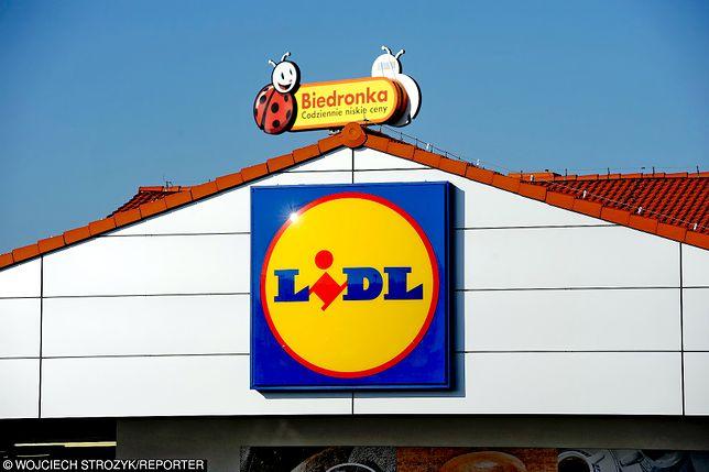 Biedronka i Lidl regularnie konkurują ze sobą o uwagę klientów