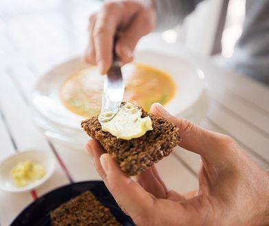Tłuszcze w codziennej diecie - margaryna, olej kokosowy i olej rzepakowy