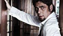 Seksowny Benicio twarzą kalendarza
