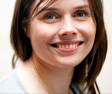 Katrin w politykę zaangażowała się pod koniec studiów.