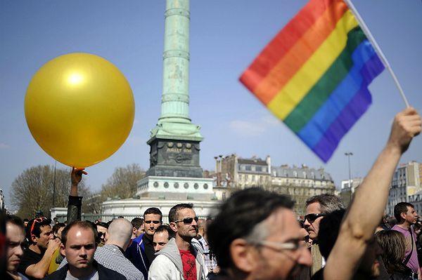 Francuski parlament zezwolił na małżeństwa gejowskie