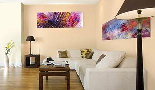 Malowanie ścian. Jak optycznie podwyższyć lub poszerzyć salon?