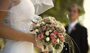 Przygotowania do ślubu i wesela trzeba podzielić na kilka etapów i zacząć wiele miesięcy przed planowanym wydarzeniem.