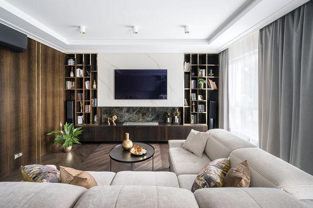 Salon luksusowego apartamentu dla rodziny, fot. Łukasz Zandecki
