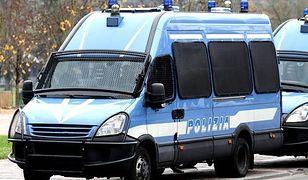 Włochy. Ciało dziecka znaleziono w wąskiej uliczce w pobliżu sadów