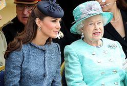 Królowa Elżbieta i Kate chcą ratować rodzinę królewską? Zaskakujące doniesienia tabloidu