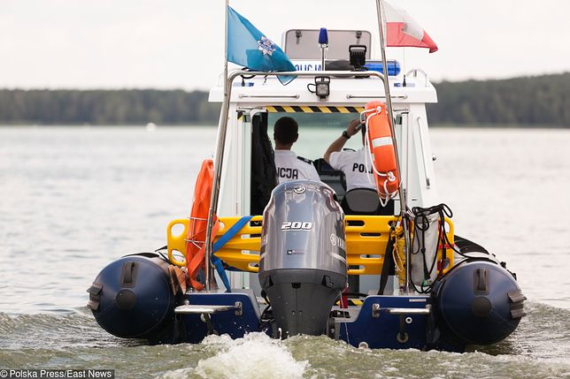 Policja patroluje nie tylko drogi wokół jezior