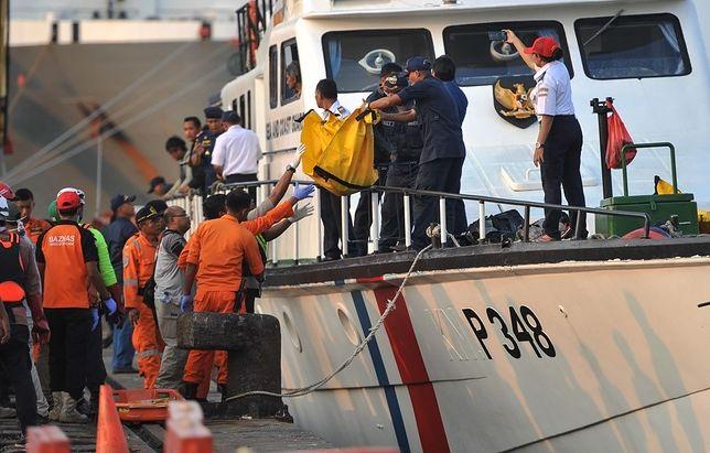 """Problemy Boeinga Lion Air dzień przed katastrofą. """"Pasażerowie czuli się jak na kolejce górskiej i wymiotowali"""""""