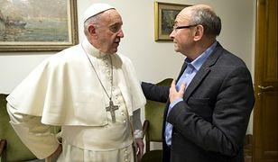 Papież Franciszek dzieli się nieznanymi aspektami osobistego życia i wizją świata z Dominique Woltonem