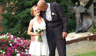 Życie ich nie oszczędzało. Dlatego przyjaciele zadbali, by ich ślub był idealny!