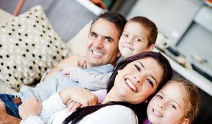 Komunikacja interpersonalna w rodzinie pomaga w zachowaniu dobrej relacji rodzinnej