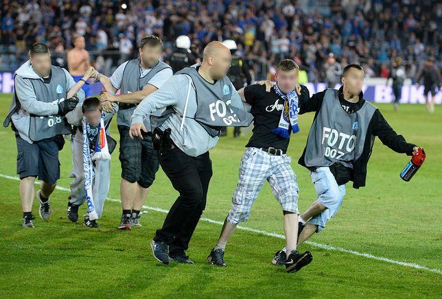 Skandal na meczu. Policja podszyła się pod dziennikarzy, żeby zatrzymać kiboli