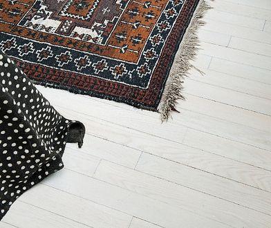 Wybielanie podłogi - jak to zrobić?