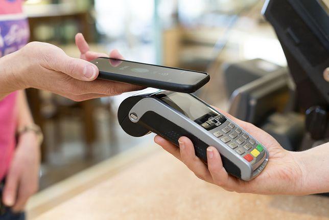 NFC - uregulowanie rachunku przy pomocy smartfona