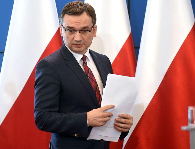 Ziobro uznał, że prezydent Warszawy nie chce zeznawać przed komisją, bo nie ma nic na swoją obronę.
