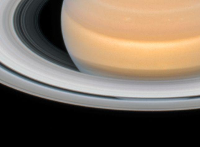 NASA opublikowała zdjęcia Saturna