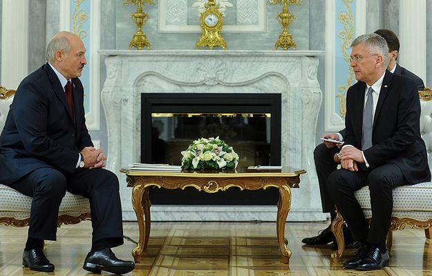 Rozmowa prezydenta Aleksandra Łukaszenki i marszałka Stanisława Karczewskiego