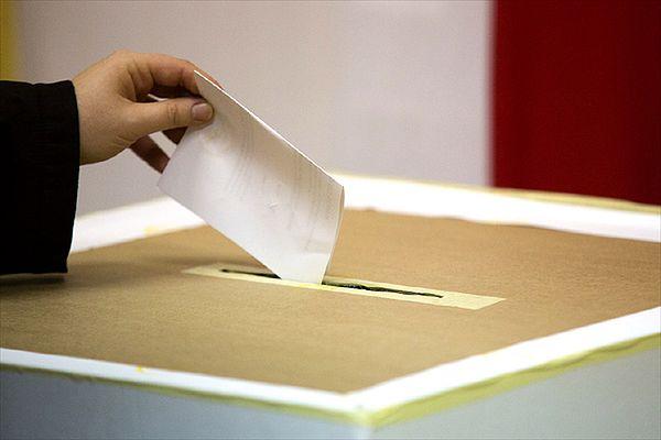 """""""Metro"""": Polacy nie chcą pracować w komisjach wyborczych"""