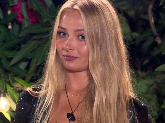 """""""Love Island"""": Monika w króciutkich włosach. Po Barbie nie ma śladu"""
