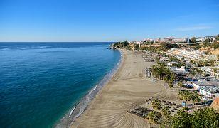 Plaża w Hiszpanii zanieczyszczona przez ścieki. Znaleziono rury w wodzie