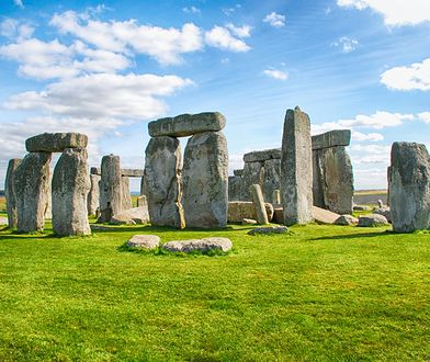 """""""Stonehenge to kupa kamieni, a wieża Eiffla wcale nie taka piękna"""". Turyści: popularne atrakcje zawodzą"""