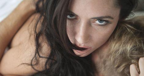 Kobieta bez makijażu jest naga?