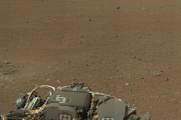 Zdjęcie wysokiej rozdzielczości z łazika Curiosity