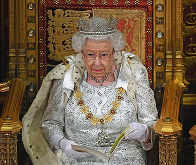 Elżbieta II w końcu zdecydowała. W tle skandal seksualny
