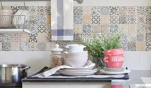 Jakie płytki do kuchni – małe czy duże?