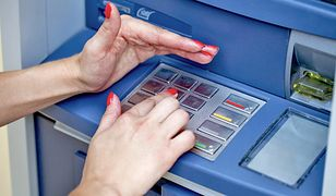 Uważaj podczas korzystania z bankomatów