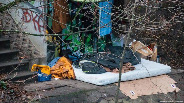 Urząd ds. cudzoziemców w Hamburgu wezwał ponad 300 bezdomnych obywateli UE do opuszczenia Niemiec