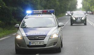 Policyjna eskorta przez dwa województwa. Wszystko dla ciężarnej