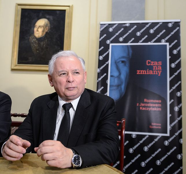 """Który Kaczyński jest prawdziwy? Obrońca biednych nazywał połowę Polaków """"mizernymi pijaczynami"""""""