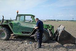 Pijany rolnik przejechał kobietę podczas prac polowych. Trafiła do szpitala