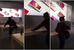 Zaskakujące nagranie z francuskiego Apple Store. Mężczyzna wchodzi do sklepu i miażdży... wszystkie iPhone'y w zasięgu wzroku