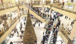 Zakupowe szaleństwo przed świętami. Co zrobić z niechcianym prezentem?