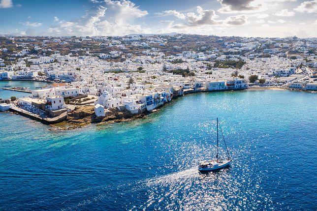 Wyspa Mýkonos położona jest na Morzu Egejskim