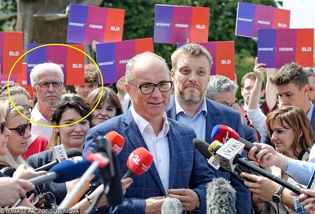Wybory parlamentarne. Lewica przedstawia sztab wyborczy. Na drugim planie były wiceprezydent Warszawy i zastępca Hanny Gronkiewicz-Waltz Jacek Wojciechowicz.