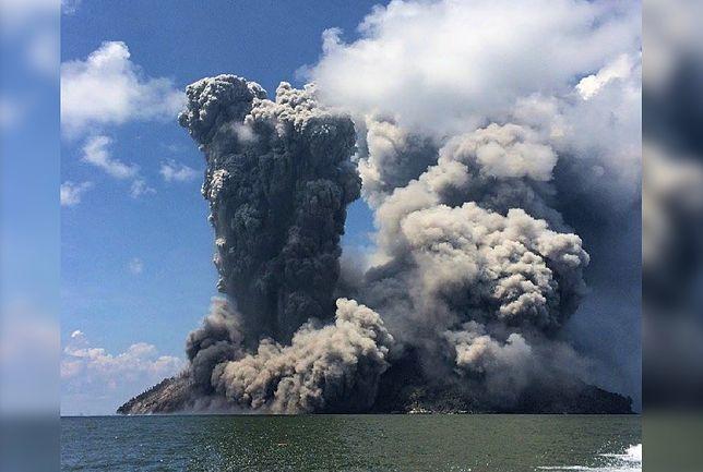 Ewakuacja wysp Blup Blup i Bam. Wybuchł wulkan Bismarcka