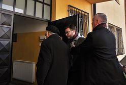 """Aktywista zapytał abp Marka Jędraszewskiego o """"tęczową zarazę"""". Usłyszał, że narusza """"mir domowy parafii"""""""