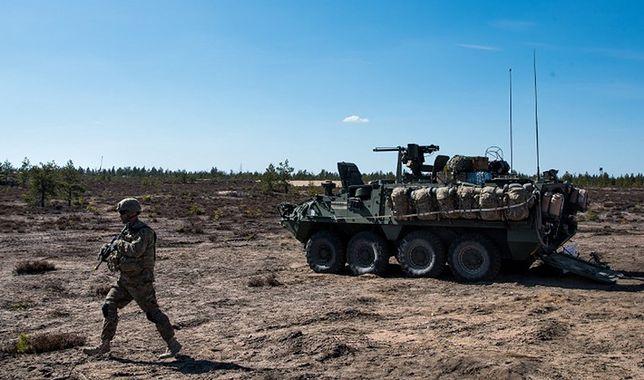 Amerykańscy żołnierze podczas wspólnych ćwiczeń z fińskimi jednostkami w Niinisalo (Finlandia) w maju 2016 r.