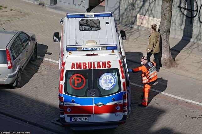 Zdjęcie ilustracyjne. Ambulans na fotografii nie jest opisywanym w artykule
