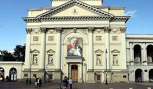 Kościół św. Anny pęka