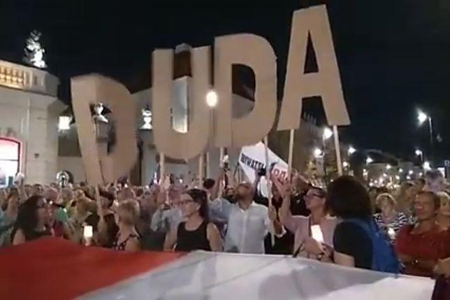 Andrzej Duda stał się głównym celem protestujących