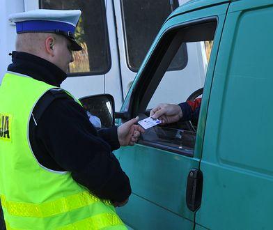 Brak mandatu za nieposiadanie przy sobie prawa jazdy?