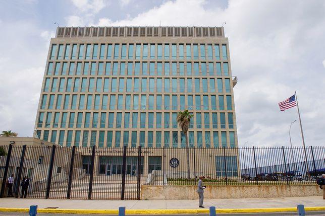 Stany Zjednoczone wycofały ponad połowę swojego personelu z ambasady w Hawanie